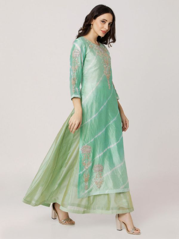 Light Green Colour Pure Chanderi Hand Embroidered Long Kurti With Plain Long Inner With Side Slits