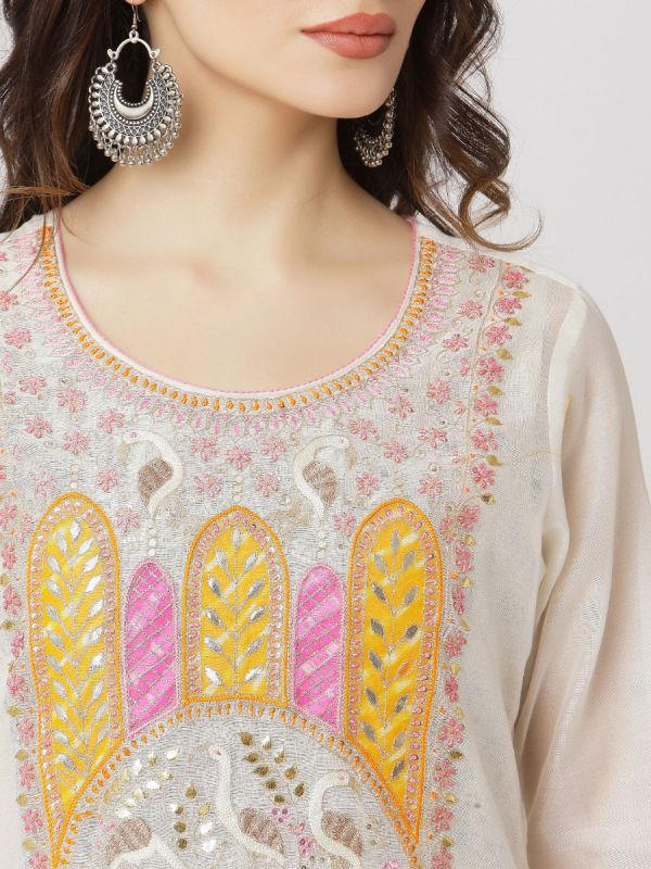 Ivory Colour Pure Chanderi Kurti With Side Slits Hand Embroidery Work & Long Block Print Inner