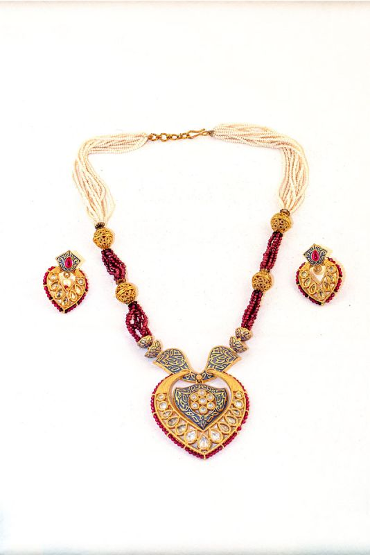 Silver Base Gold Plated Kundan Work Neckless Set