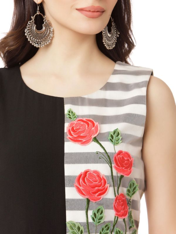 Red Colour Georgette Party Wear Desginer Kurti With Flower Prints
