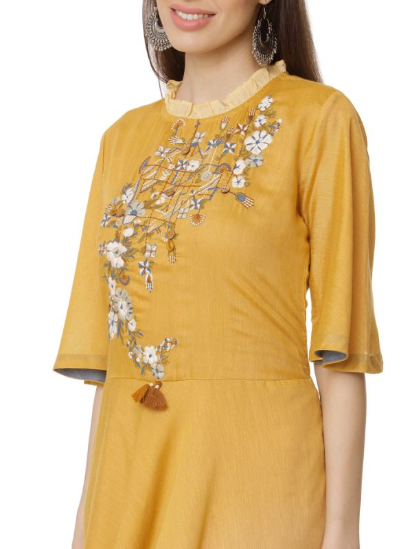 Yellow Colour Pure Cotton  Shadding Long Kurti With Embroidery Yok